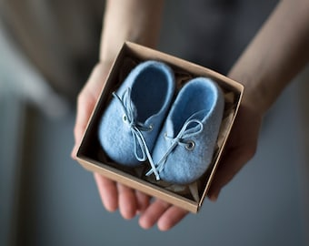 Pregnancy announcement for grandparents, Baby shower gift, Baby blue merino wool booties, Felted baby boy shoes in craft box, Gender reveal