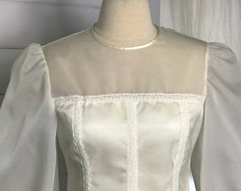 1970s Boho Chic Vintage Wedding Dress / Casual Wedding Dress / Long-Sleeved Hippie Wedding Dress with Lace Accents / Size 4