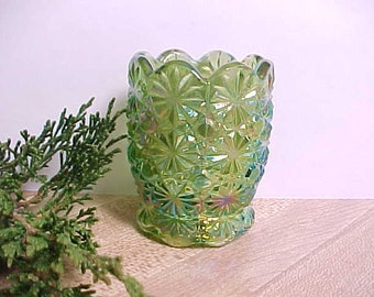 1970s L E Smith Green Carnival Footed Toothpick Holder in Daisy & Button Pattern, Vintage Pressed Glass Iridescent Green Kitchen Glassware