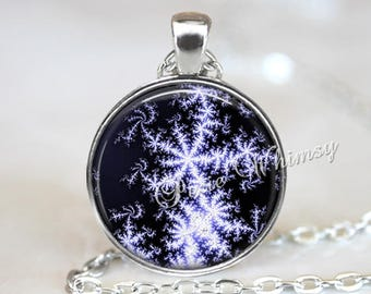 SNOWFLAKE Necklace, Snowflake Necklace, Vintage Christmas, Christmas Jewelry, Winter Scene, Snow, Christmas Jewelry