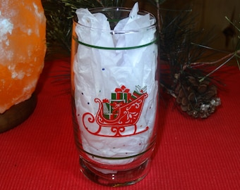 Set of 6 Sleigh with Presents Holiday Glasses / Christmas Glasses / Christmas Sleigh Glasses