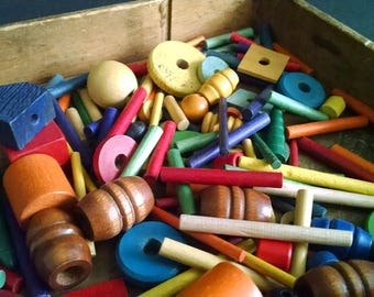 Vintage Building Blocks Tinker Toys Wood Lacing Beads Discs Pegs