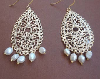 Dangling earrings with vintage beads