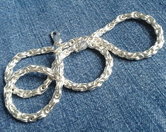 Intricate Silver Chain Necklace