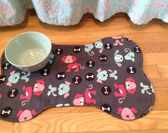 Perfect Pet Mat/Reversible/water absorbant/Puppy Print/Bone Shaped/Grey with colored puppys/gift idea