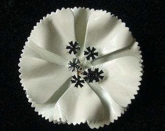 Beautiful vintage 1960 black and white enamel flower brooch