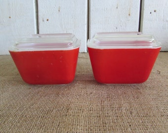 Two Vintage Pyrex Primary Red Refrigerator Dishes with Covers, Pyrex Refrigerator Dishes, Pyrex Red Refrigerator Dishes, Vintage Pyrex Dish