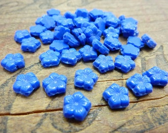 Glass Flower Beads Flatback Opaque Blue Vintage (30)