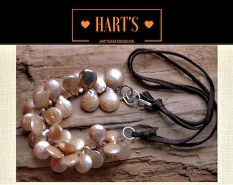 Teardrop Pearl Leather Choker Necklace