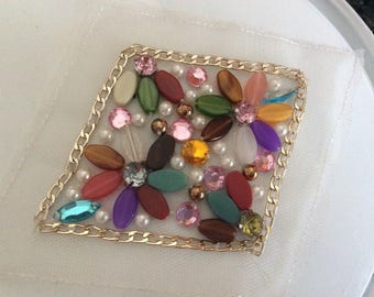Apply 7 cm in size with pearls and rhinestones