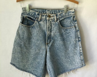 Jean Shorts cut-off Zena Shorts Jeans Light Wash Size 9 Hippie Shorts Boho Faded Denim Vintage Mom Jeans