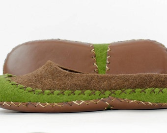 Womens moccasin slippers Eco friendly handmade felted slippers Comanche in natural house shoes grey-brown color