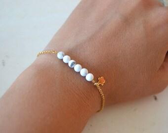 Natural white Howlite gold plated bracelet