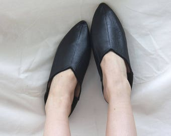 Women's Black Leather Pointed Slippers || Traditional Moroccan Babouche || Dyed With Natural Colour || Black