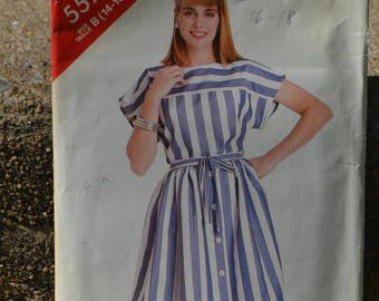 Vintage 80s Sewing Pattern Butterick See & Sew 5577 Women's Top and Skirt
