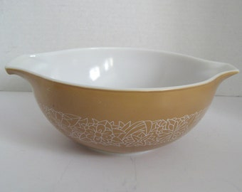 Vintage Pyrex Woodland Tan 2 1/2 Quart No. 443 Mixing Bowl Batter Bowl