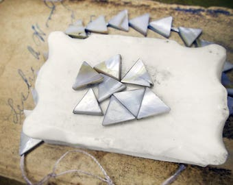 Altered Shell Beads - 8 Hand Dyed Mother of Pearl Beads - Iridescent Triangles - 11mm - Lavender Grey White Shell Beads - Geometric Beads