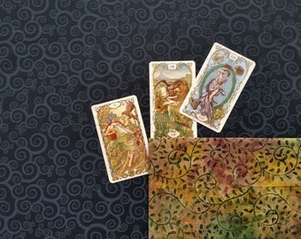 Tarot Cloth. Viking Festoon Jewely Cloth. NIGHT FOREST. Reversible spread cloth for tarot cards, runes & altars. Altar cloth. Tarot.