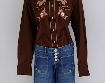70s western miller snap shirt / embroidered flowers / smile pockets / 70s big collar shirt / urban cowboy shirt / CarnivalofFashion