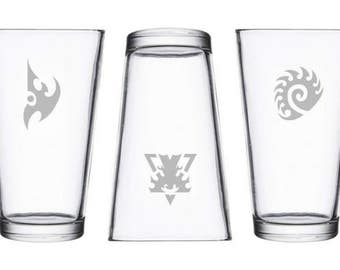 SC, SC2 races etched pint, dark templar, overlords, video game gamer gifts, char, presents for geeks, nerds, nerdy geeky gifts, terran, RTS