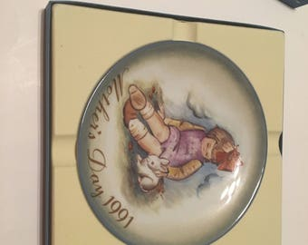 soft and gentle collector plate mother's day 1991