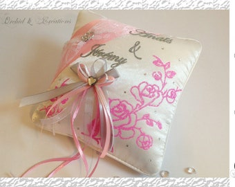 Pillow ring bearer - flower Theme and Romance, life in pink! Wedding