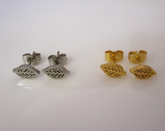 LEAF in yellow gold and plain stainless steel stud earrings