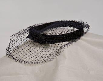 Vintage Blue Fascinator, Blue Hat, Fancy Hat, Navy Blue Velvet 1950 Head Wear, Vintage Clothing, Vintage 1950's Velvet Fascinator Hat