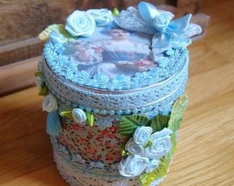 Box blue floral