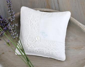 Vintage White Lace Hankie Sachet, Lavender Drawer Sachet, Monogram Letters HC