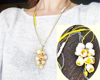 Statement necklace flower buds White Yellow pendant on chain