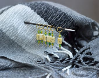 Plastic stitch markers Set of 6 markers Knitting markers Snag free markers Knitting accessory Gift for knitter Knitting notion