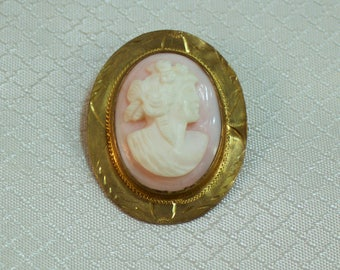 Victorian Gold Filled Carved Pink Cameo Brooch