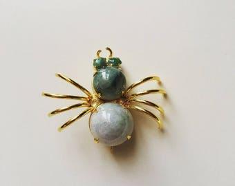 Vintage jade gemstone jewelry spider brass gold tone brooch
