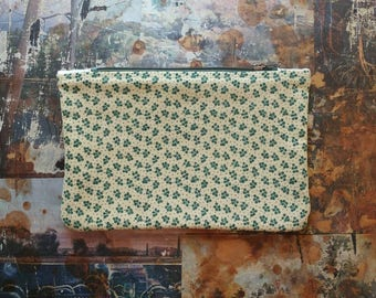 Green Calico Print Lined Zipper Bag