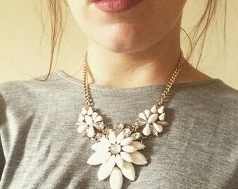 Cream Statement Necklace, Cream Flower Bib Necklace, Cream Flower Chunky Necklace