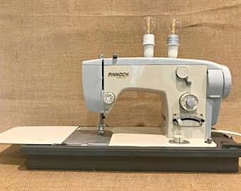 Retro Sewing Machine Table Lamp