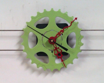 Green Parallel Spoke Wall Clock with Red Hands
