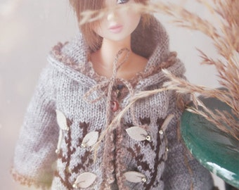 jiajiadoll-hand knitting-grey trees hooded cardigan fits Momoko Or Blythe Or Misaki
