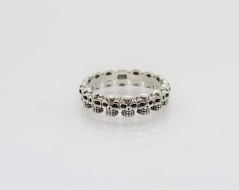 Vintage Gothic Sterling Silver Skulls Band Ring Size 7