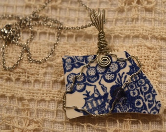 Broken China Wire Wrap Pendant Blue Willow with 18'' Stainless Steel Chain