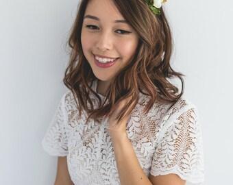 simple elegant summer rose blossom headband // ivory / bridal bridesmaid wedding floral headpiece flower crown fascinator accessory