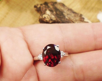 Best Garnet 2 Accents Ring, Clear! Flawless 3.75 Carat 11x9 mm or 12x10 mm January Birthstone, Madagascar Natural Garnet, Sterling Silver