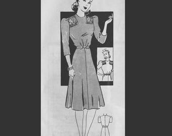 Vintage  40s Gathered Bodice Day Dress Sewing Pattern 9576 B36