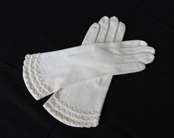Vintage Pair of White Ladies Cotton Gloves with Glass Beading /Pearls, Wedding Gloves, Opra Gloves, Formal Gloves (V089)