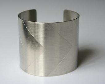 Minimalist Wide Chevron Metal Cuff, Geometric Cuff, Geometric Jewelry, Silver Cuff, Modern Cuff, Modern Jewelry, Wide Metal Cuff, Minimal