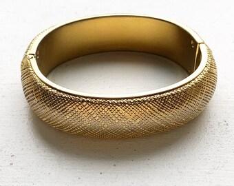 1970s Gold-Toned Monet Bangle Bracelet - Clasp - Crosshatch - Classic