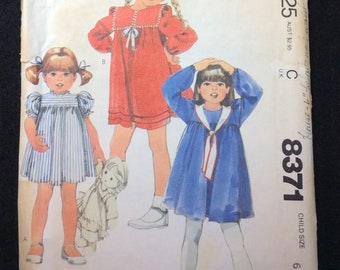 McCall's Children's Dress Pattern 8371 Size 6