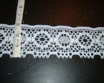 """3"""" white heavy lace trim 10yds              (D584)"""