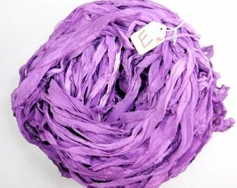 Ruban de soie de Sari, sari de soie mousseline de soie ruban, toupie ruban violet, alimentation, Gland alimentation, tissage, crochet, tricot alimentation